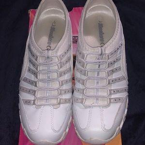 Skechers Sassies white & silver sneakers